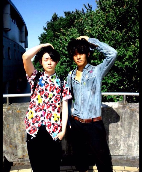 仕事がらシャツを着ることも多い菅田将暉さんだが、シンプルなカッターシャツを着るということは仕事以外ではあまりない。