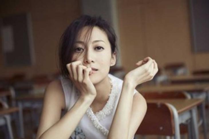 一青窈さんは台湾人の父親と日本人の母親との間に生まれたハーフである。
